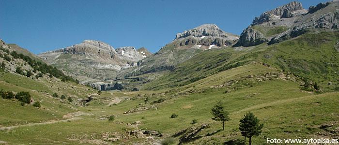 Ruta a pie por el Valle de Aísa de valledelaragon.com